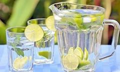 水健康知识专家教您 多喝水不如会喝水